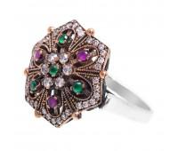 Перстень с фианитами  рубинами и изумрудами 100507
