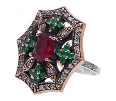 Перстень с фианитами, рубинами и изумрудами 100504